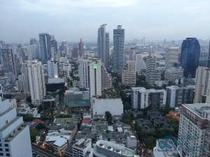 Sell with Tenants at 15 Sukhumvit Residences, 2 bedrooms 80.71 sqm. Walking distance to BTS Asoke
